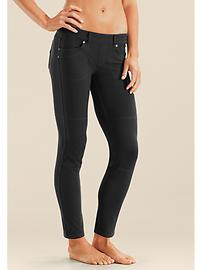 Affixed with grommets and belt loops, these YOGA pant jeggings are made to look like black skinny jeans and are a perfect addition to the packing list.  I even stumped my sister at a nice dinner when wearing these!  And they don't stretch out after multiple wears; a huge ASSet (pun intended) for those of us who are curvy.